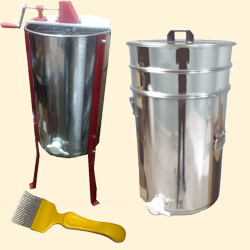 Honey Extractors & Kits